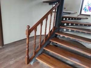 profil_konstruksiyon_uzeri_ahsap_merdiven_kayin_