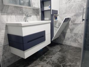 lake beyaz antrasit banyodolabi