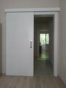 sürgülü panel kapı beyaz