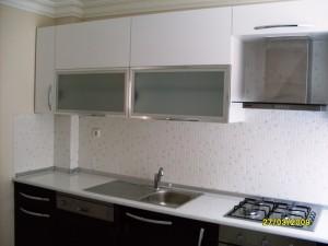mutfak dolabi acrylic beyaz murdum blum aventos hf