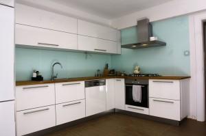 mutfak_dolabi_beyaz_acrylic